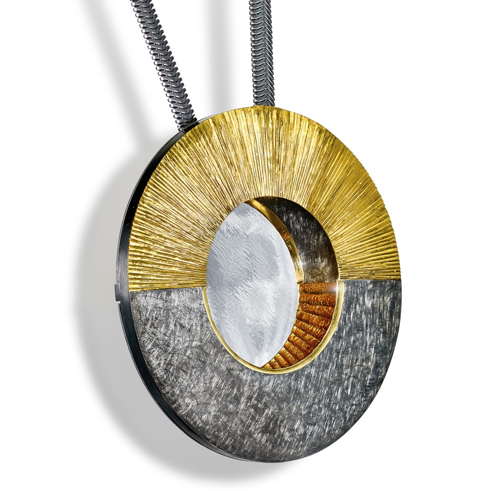 "<a href=""/jewellery/pendant-alan-craxford-1"">Pendant ( Alan Craxford )</a>"