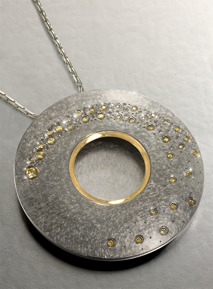 """<a href=""""/jewellery/silver-18-ct-gilding-finished-grey-rhodium-set-yellow-natural-diamonds"""">Silver, 18 ct Gilding finished in grey rhodium, set with  yellow  natural diamonds</a>"""
