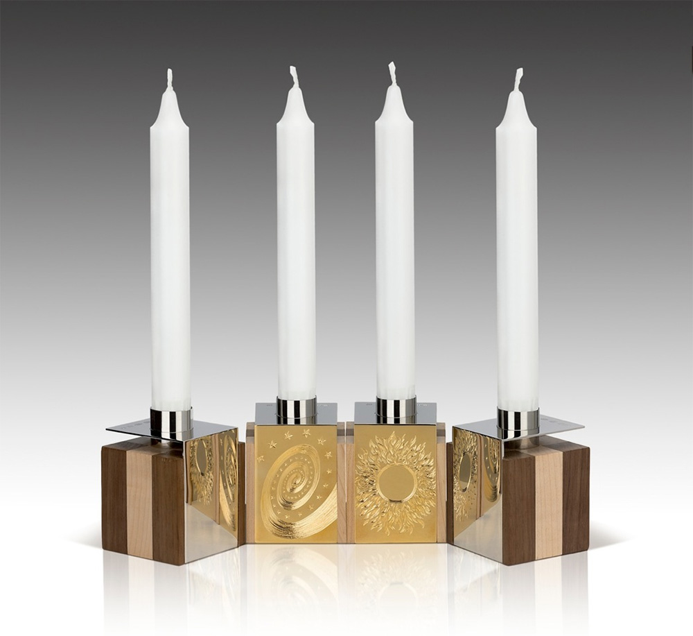 """<a href=""""/jewellery/4-candleholders-design-alan-craxford-two-pairs-reflection-candleholders-55cm-cube-hand"""">4 Candleholders Design by Alan Craxford two Pairs Reflection Candleholders 5.5cm cube, hand engraved. each pair has one mirror and one engraved silver panels</a>"""